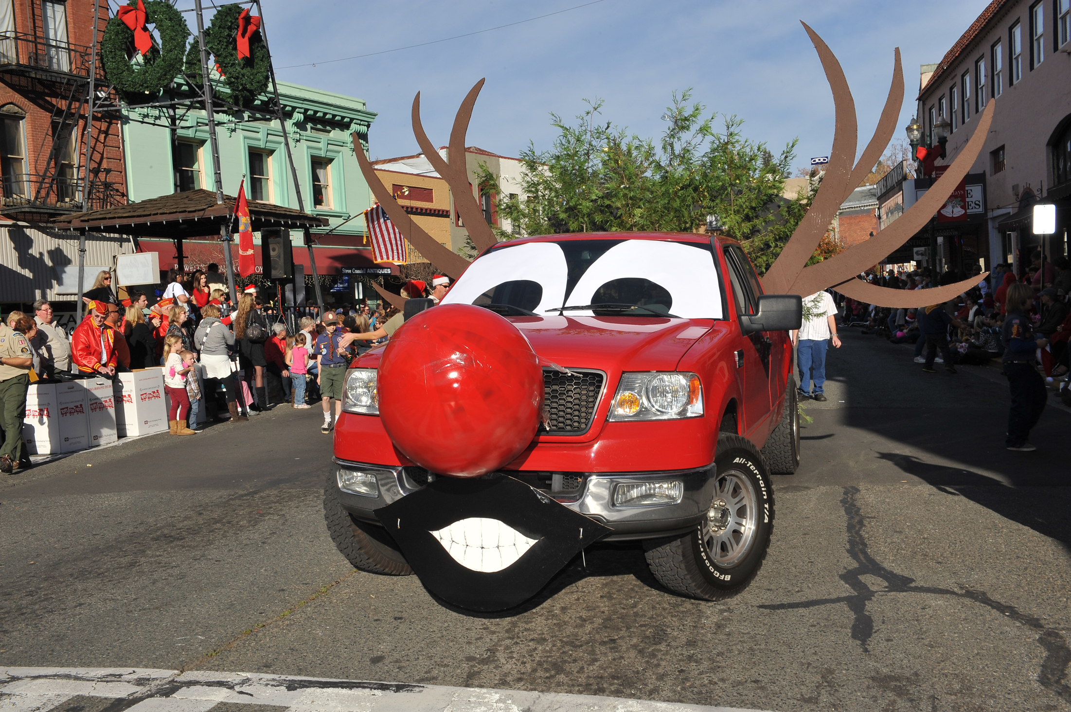 Christmas parade applications due soon